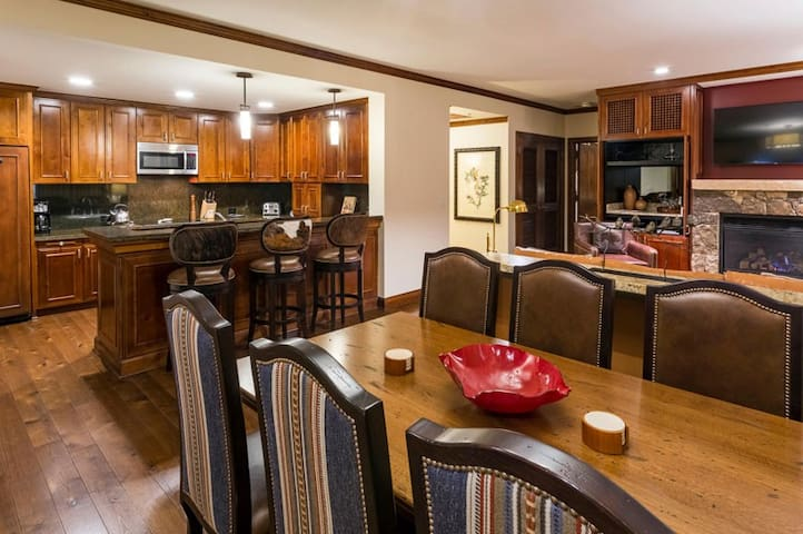 Ritz-Carlton Club 2 Bedroom Elk Horn 012