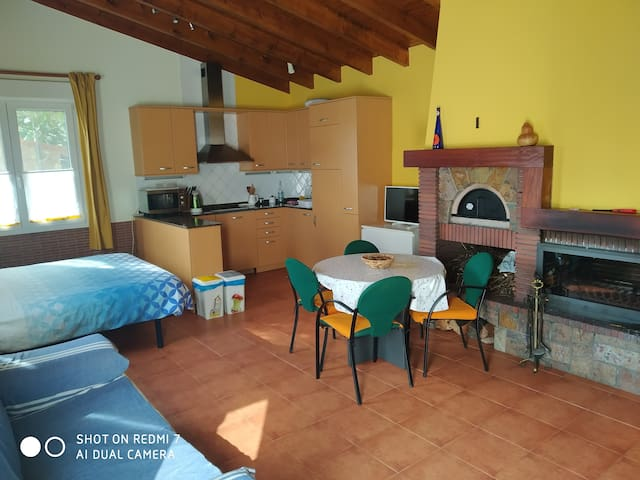 Apartamento 40 m2 con jardín y chimenea Martiartu