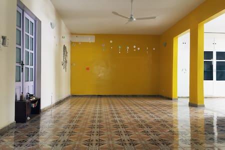 Private Room for one in a Yoga Studio <3 - Dakar - Rumah