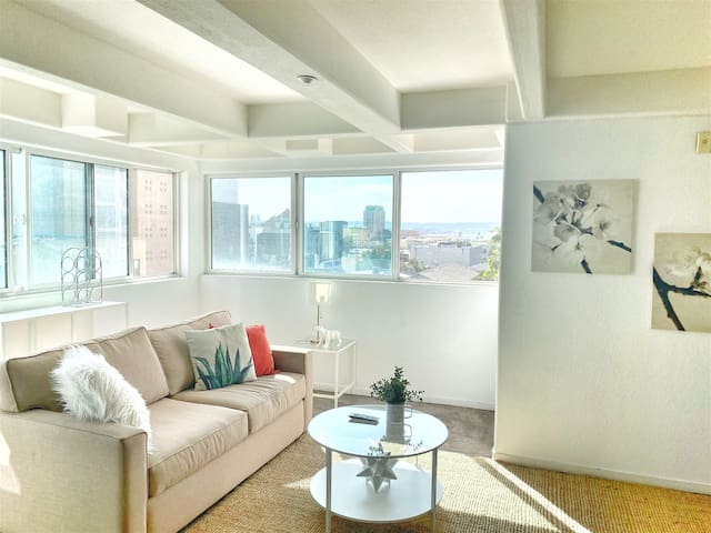 203 Incredible Loft with Stunning View of Little Italy
