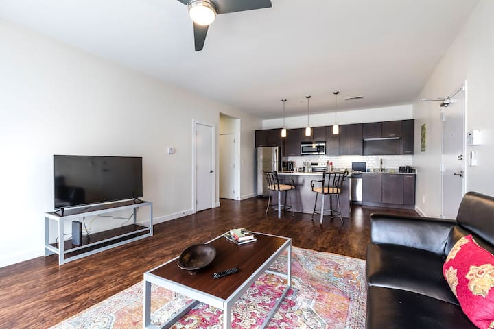 Spacious Loft + Incredible Amenities