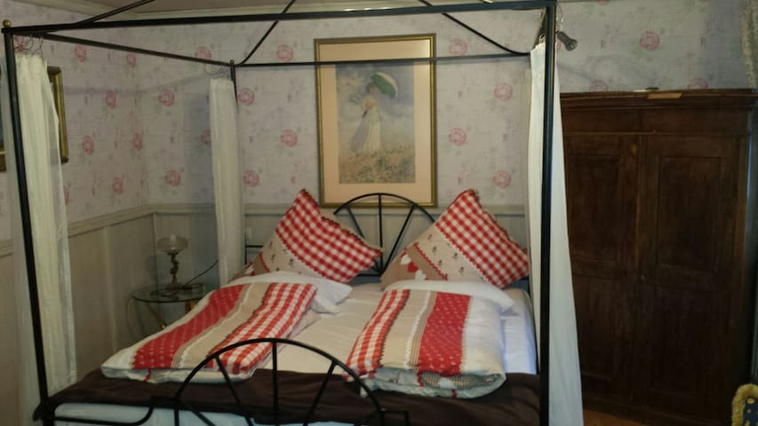 Boutiquezimmer - Gottmadingen - Bed & Breakfast