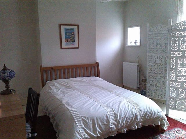 Cosy, spacious double room