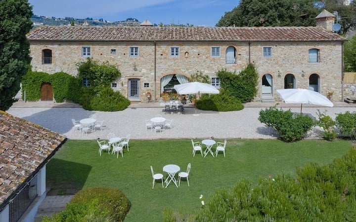 Villa Colleluna - Wonderful stone farmhouse w/pool