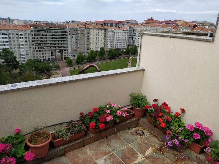 Large Penthouse, Safe quiet area, near beaches
