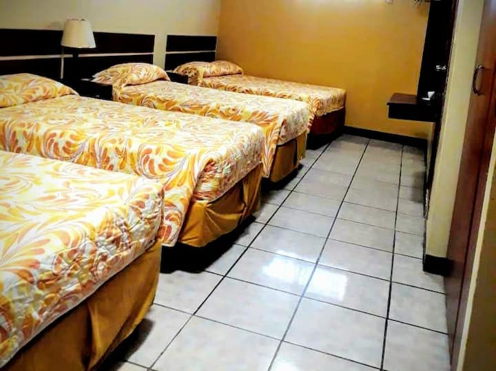 4 beds room, SALOAH Hostal