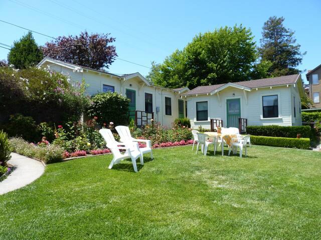 Santa Cruz Boardwalk Garden Apartment D