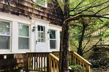 Charming Historic Beach Cottage Getaway