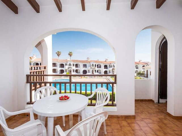 Apartment in a well-maintained complex with pool - Girasol Garden Superior 2