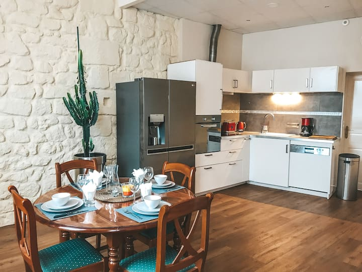2 Rooms - Beautiful and Comfortable apartment