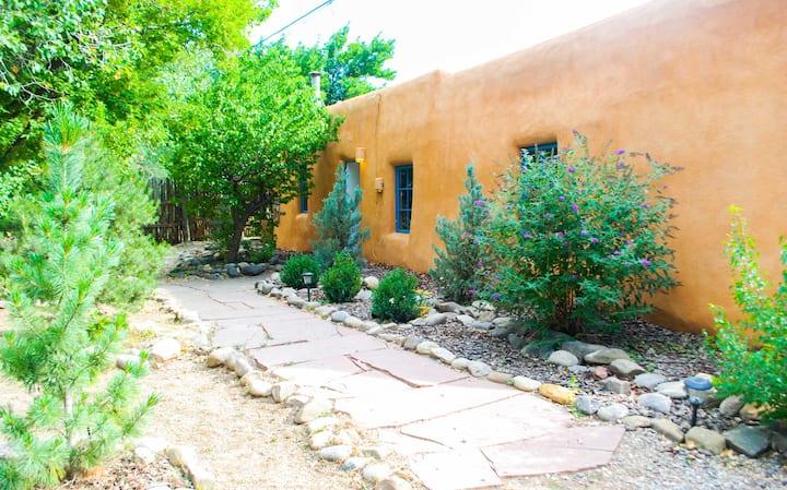Alfred's Casita Adobe, Summer in Taos, pets OK