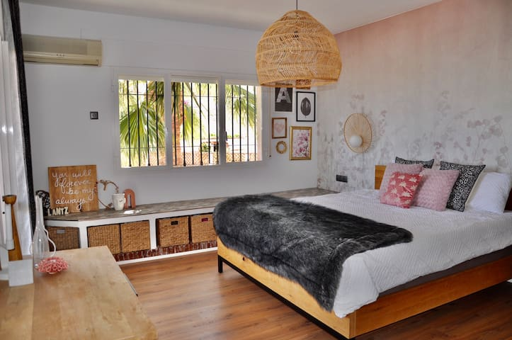 Bedroom 1, 1 double bed and access to balcony