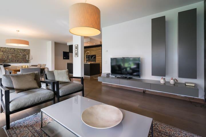 Luxueux appartement a deux pas du Centre - Sion - Wohnung