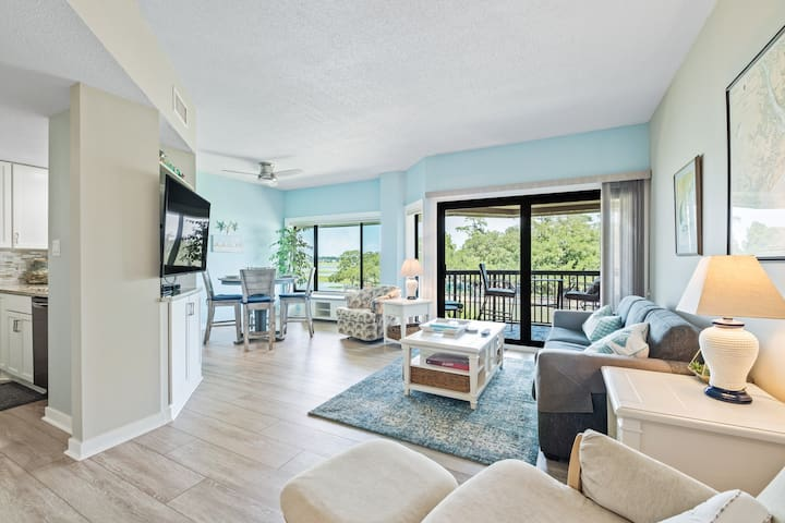 Panoramic Water View Overlooking Shelter Cove !!