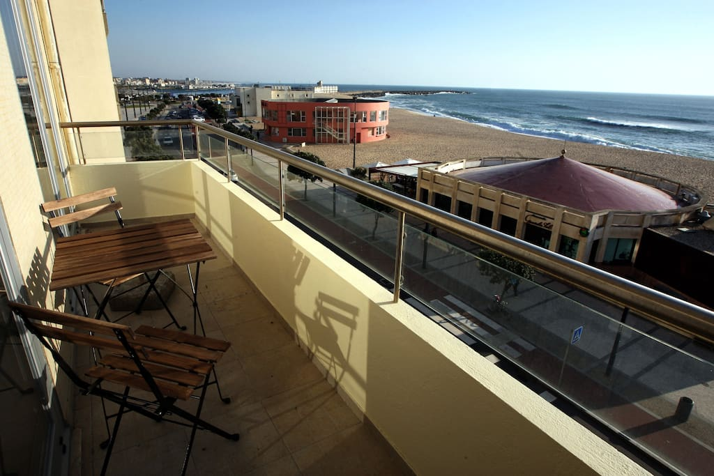 Varanda dos quartos com vista para o mar / Rooms area balcony with a view to the Atlantic Ocean