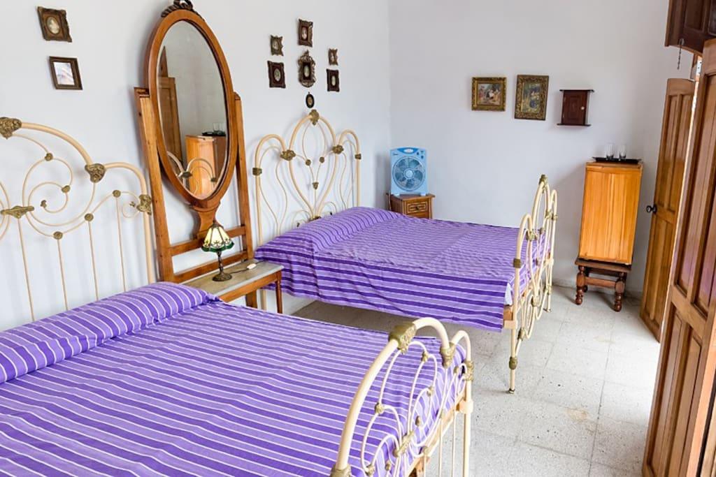 Vista interior habitacion 4