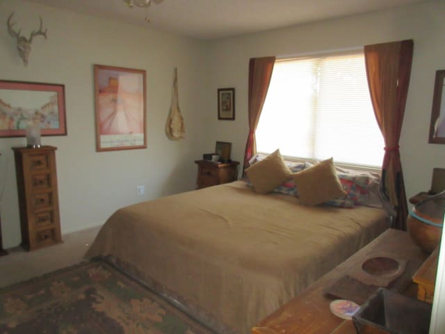 1 bd 1 ba in my peaceful southwest desert home. - Littlerock