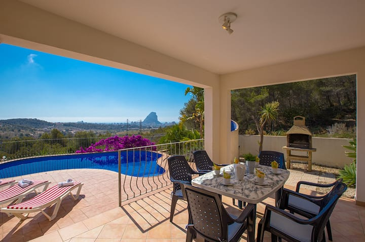 CARLOS, Villa in Calpe for 6 pax with private pool and beautiful views. Free WIFI