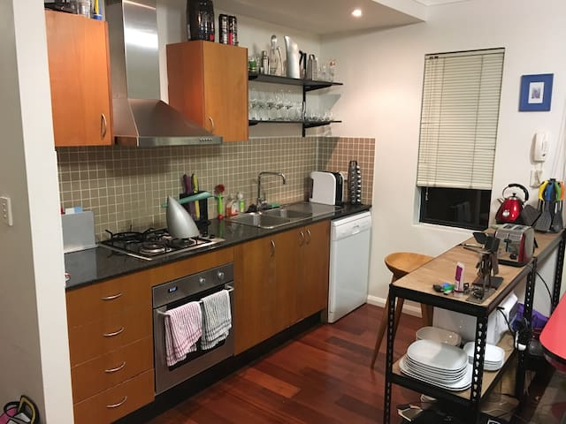 Chic & Modern One Bedroom apartment - Alexandria