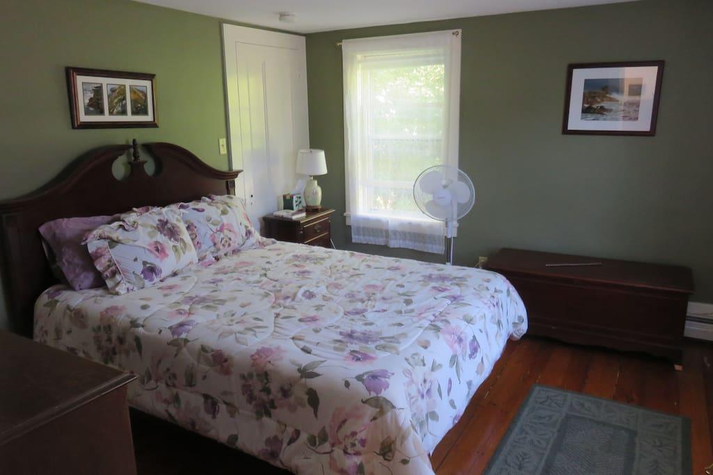 Rockport Room - antique mahogany bedroom set