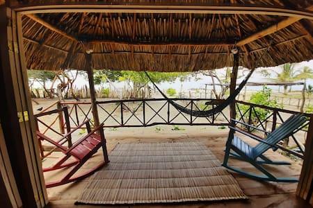 Thali Morena Beach, vive la experiencia ¡Se feliz!