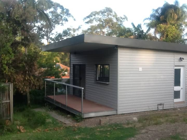 Modern cottage in a garden by Lane Cove Park!