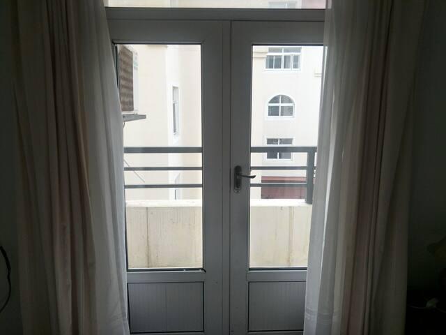 海景公寓套房,出门即山东大学,海水浴场。
