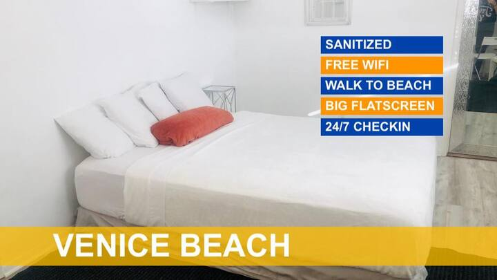 QUEEN COTTAGE SUITE in the heart of Venice Beach