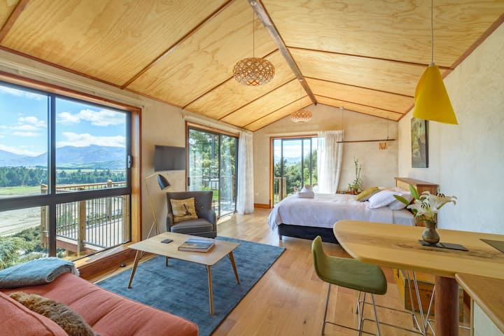 The Lookout - boutique mountain hideaway