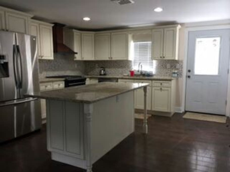 Kitchen to include microwave, dishwasher, refrigerator