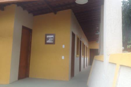 Casa de Campo Maravilhosa de 700 m2 com 11 suites - Vitória de Santo Antão - Sommerhus/hytte