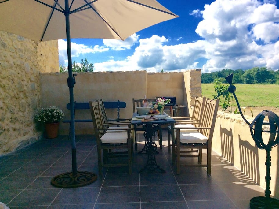 Your Private BBQ Terrace & Entry