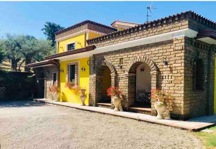 """Villa """"BELMONTE"""" Casale con PISCINA"""