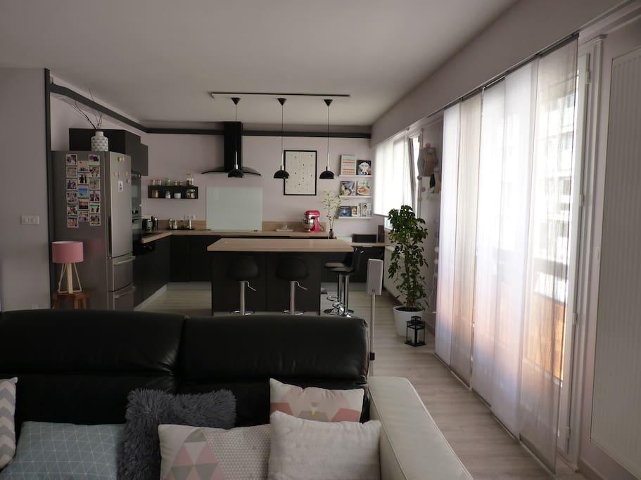Chambre priv e gratte ciel villeurbanne appartamenti in for Location garage villeurbanne gratte ciel