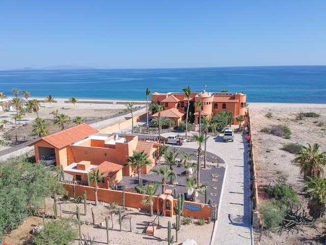 EastCapeVilla | Luxury on Private Sand Beach