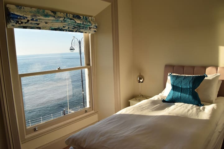 Master Bedroom with sea views (Super king or Twin)