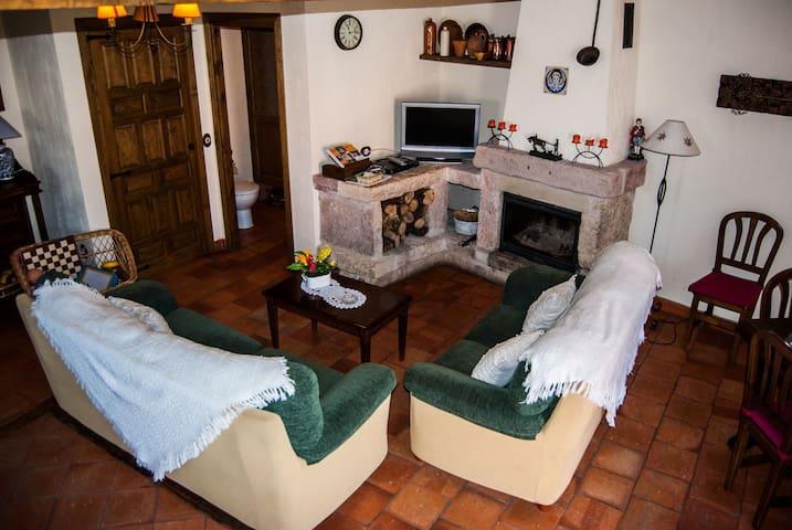 Casa rural La Fuente del Monte en Caballar.