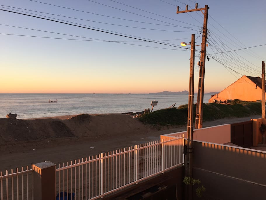 Praia da Península - frente da residência.