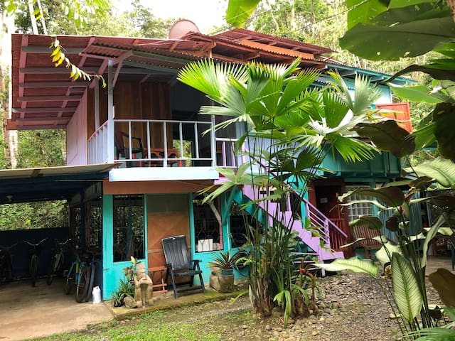 Hidden Jungle Beach House - DOUBLE ROOM