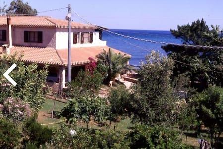 Casa Dipinta Sul Mare 2