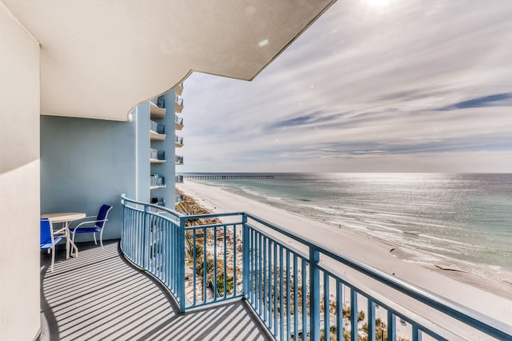 Beautiful Gulf front condo with balcony, shared heated pool, hot tub, and gym