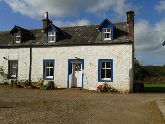 Roe Deer Cottage, Kirkwood, Real Farm Holidays