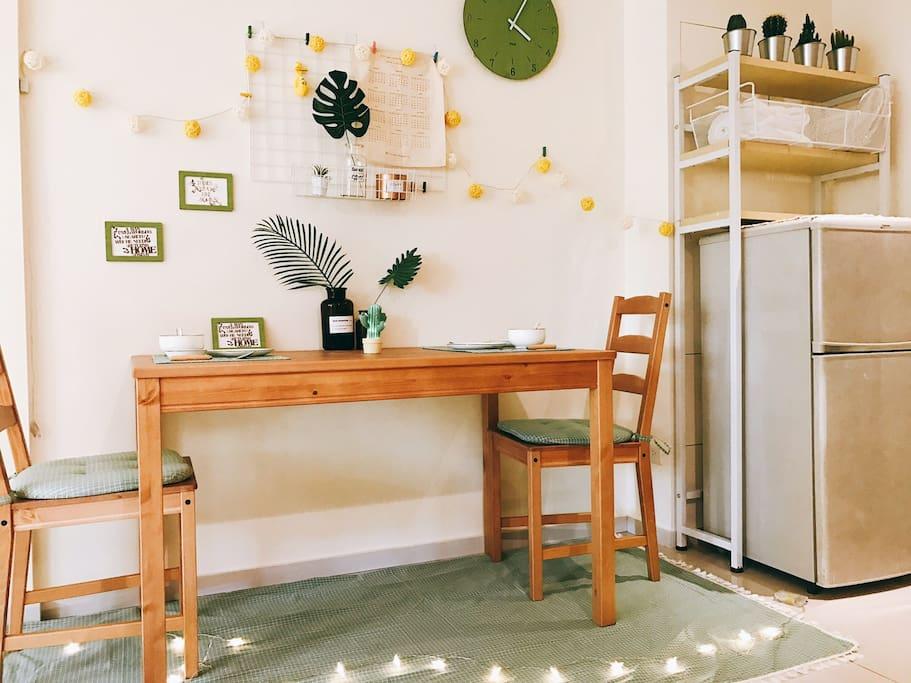 溫馨的餐桌 共度快樂時光