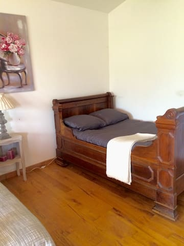 "Chambre au ""domaine de madeleine "" - Carcasona - Bed & Breakfast"