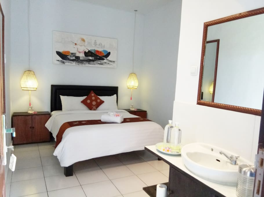 Canggu Point has six bedrooms suitable for traveler, couple, a group of friends and family who wishing for comfort stay yet affordable, can be rented per room or the whole lot.