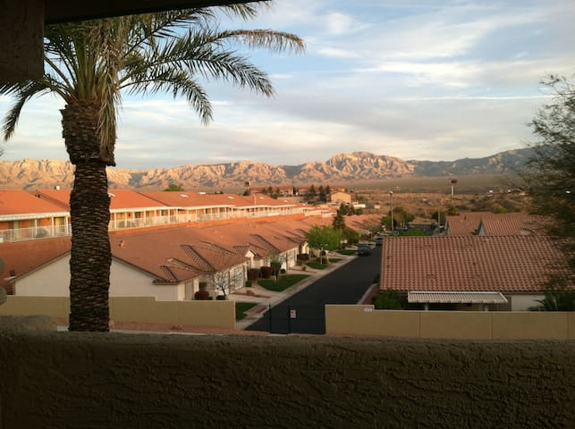 Mesquite Nevada - Fun Getaway Condo, Sleeps 7