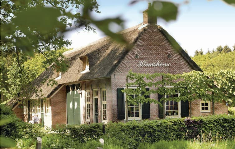 Holiday cottage with 6 bedrooms on 181 m² in Steenwijk-De Bult