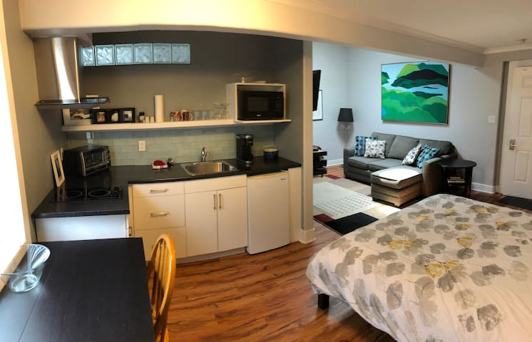 Sunrise Suite, Private, Hotel Style