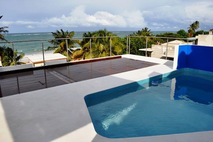 ASTONISHING,10 steps to beach,Top Roof Pool,Groups - San Juan - Flat