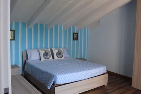Zagare dell'Etna (appartamento blu)